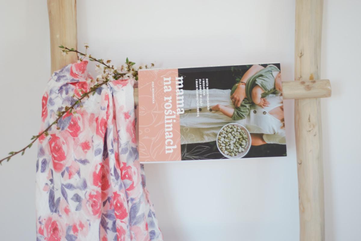 książka Mama na roślinach