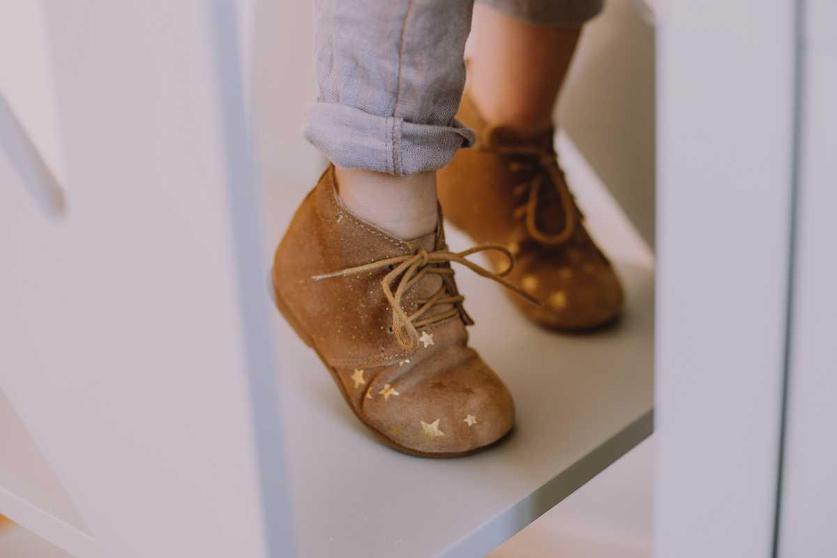 buty dla dzieci a little glamour dla magazynu Mint