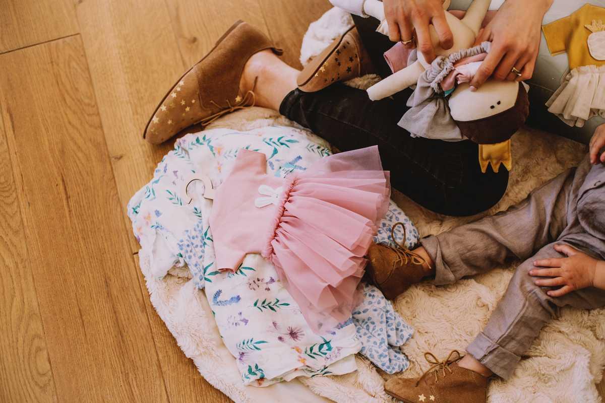 redaktor naczelna magazynu Mint Bogna Bojanowska z córką testują buty a little glamour