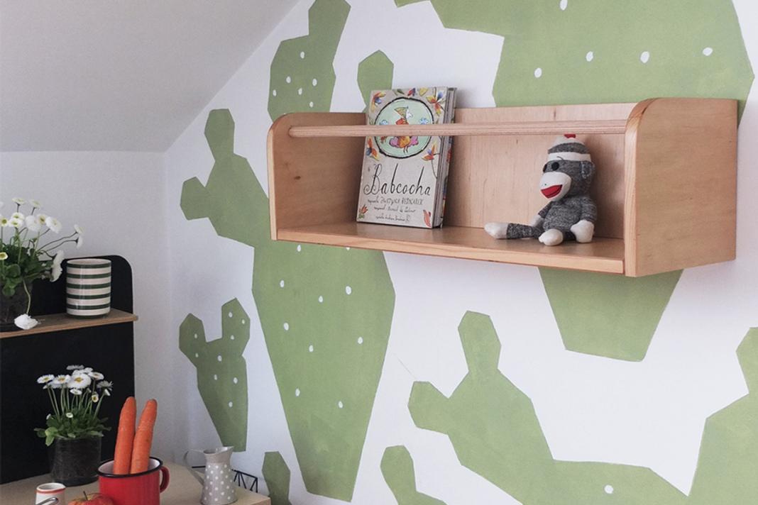 pomysł na pokój dziecka drewniana półka