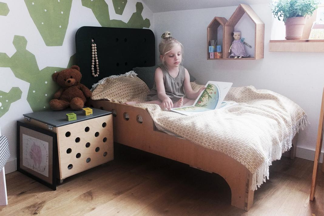 pomysł na pokój dziecka drewniane łóżko