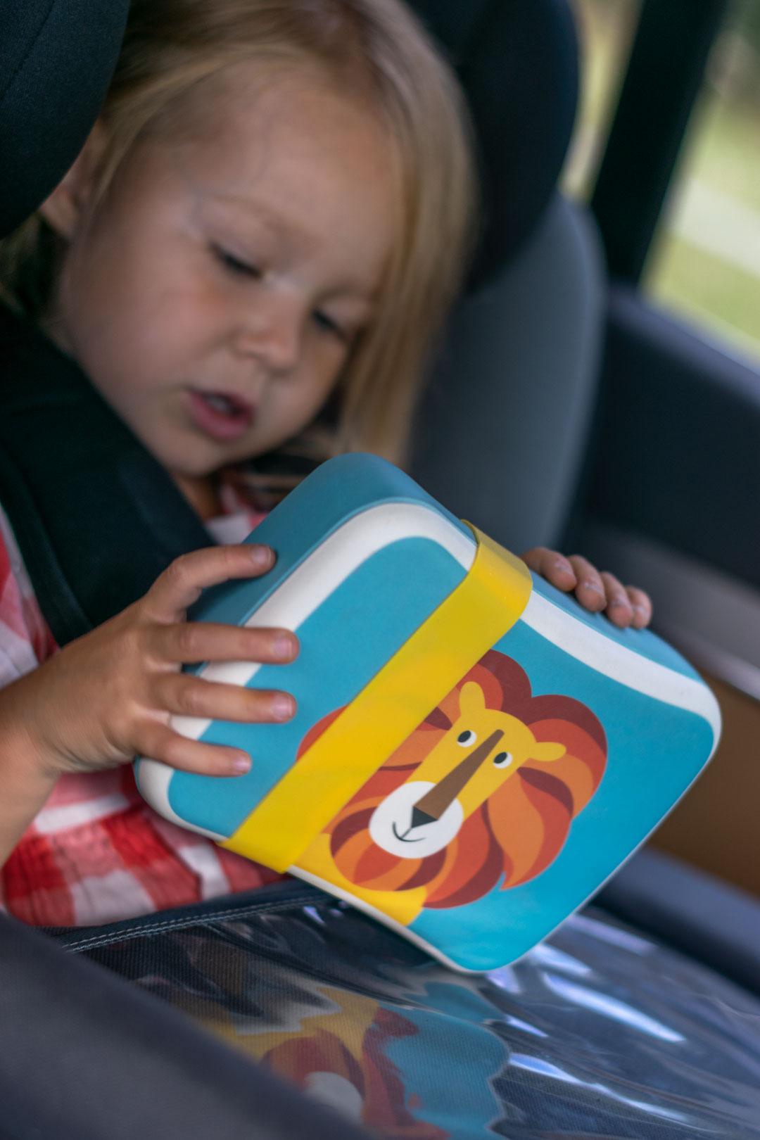 czym zająć dziecko w podróży