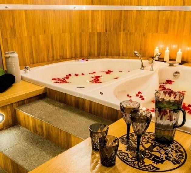 Kąpiel Kleopatry – sekret urody egipskiej piękności w Hotelu Dębowym